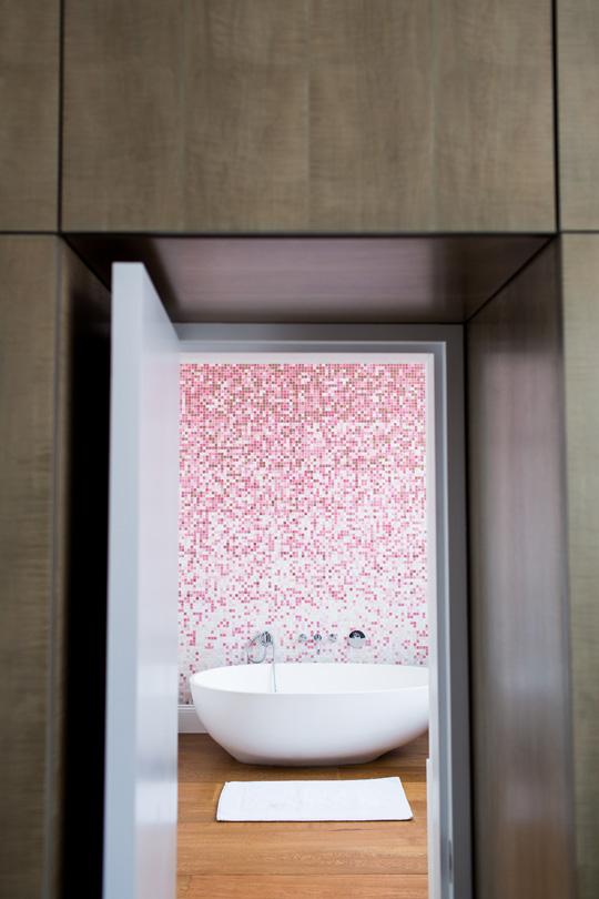 Bisazza mosaic bathroom in pink and white hues