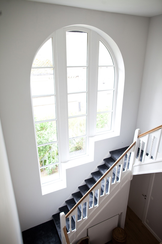 Impressive and bright staircase in a family townhouse in Brussels