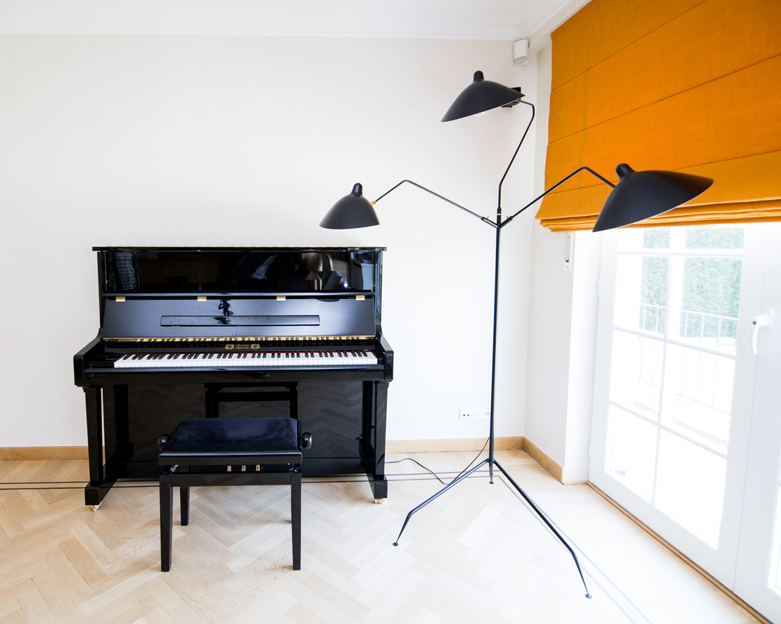 Serge Mouille Floor Lamp with Classic black piano