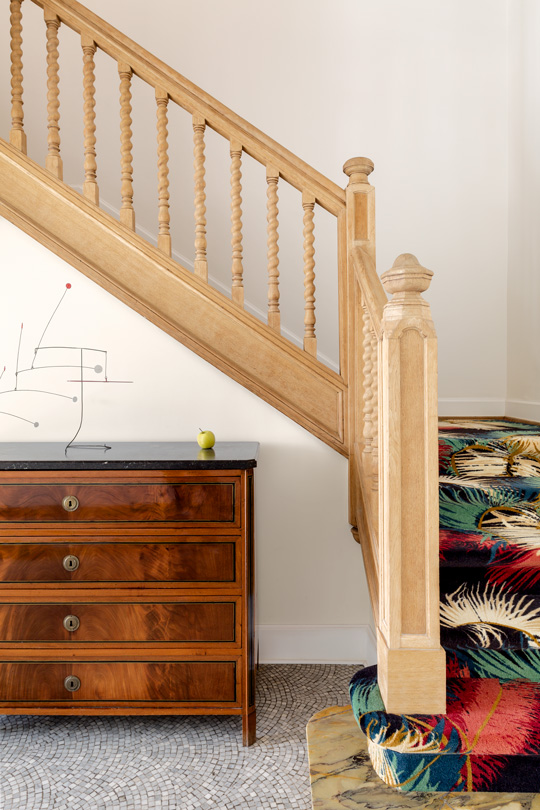 Stair case with palmador rug by dimore gallery for Pierre Frey